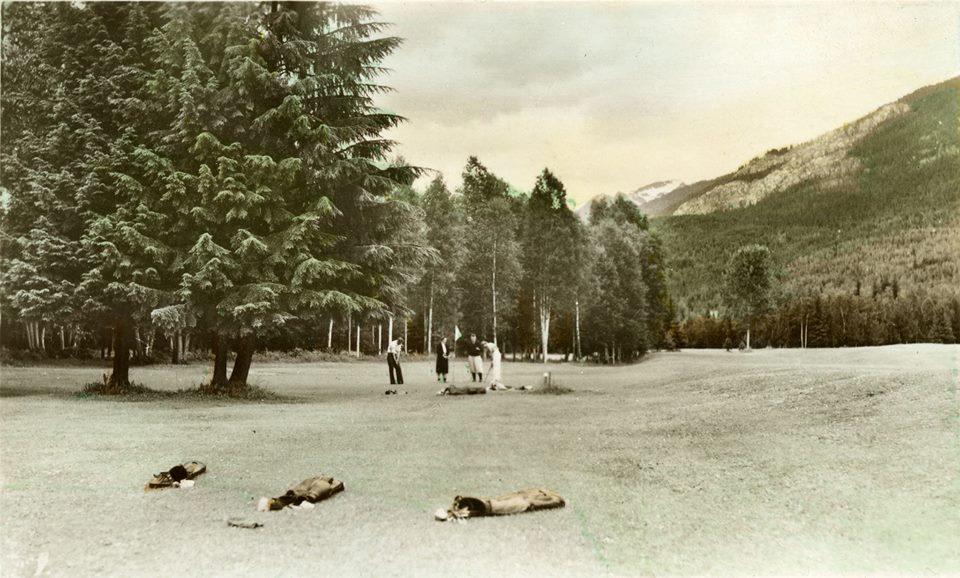 Brown Bag History - Revelstoke Golf Club @ Revelstoke Museum & Archives        