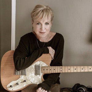 KRISTIN HERSH - Electric Trio Show with Fred Abong @ Neighborhood Theatre