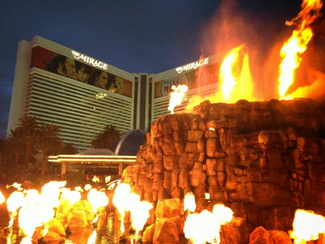 mirage fire showの画像結果